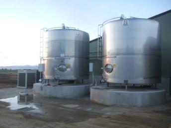 tank à lait vertical